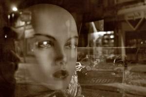 medium_mannequin_vitrine.jpg